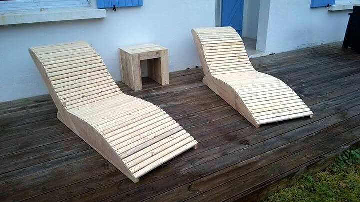 Sun Bath Loungers Made with Wood Pallets