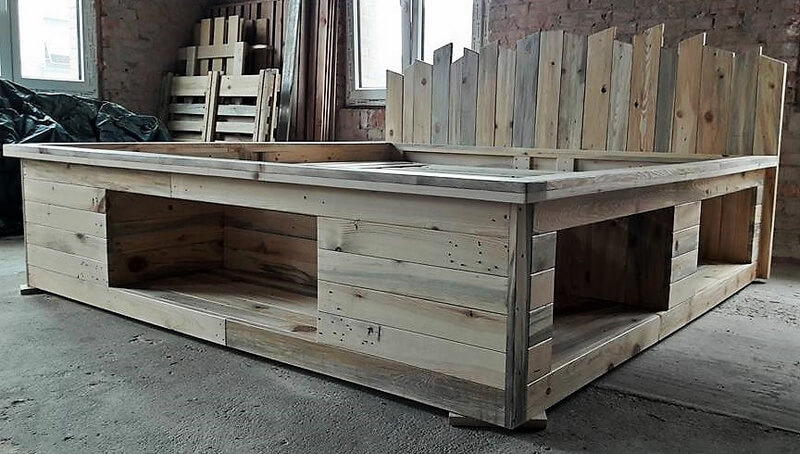 recycled pallets bed 2