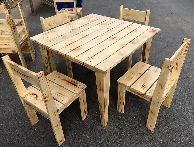 recycled wooden pallet furinture