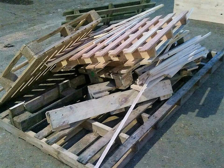 diy wood pallets made bed