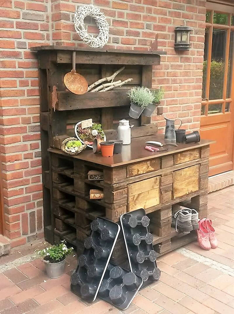 pallet potting table idea
