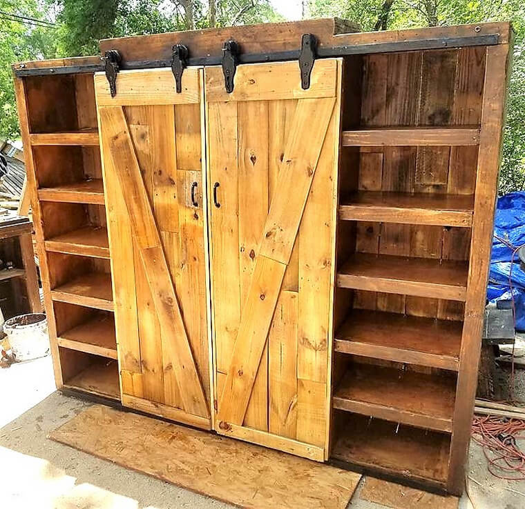 pallets entertainment center