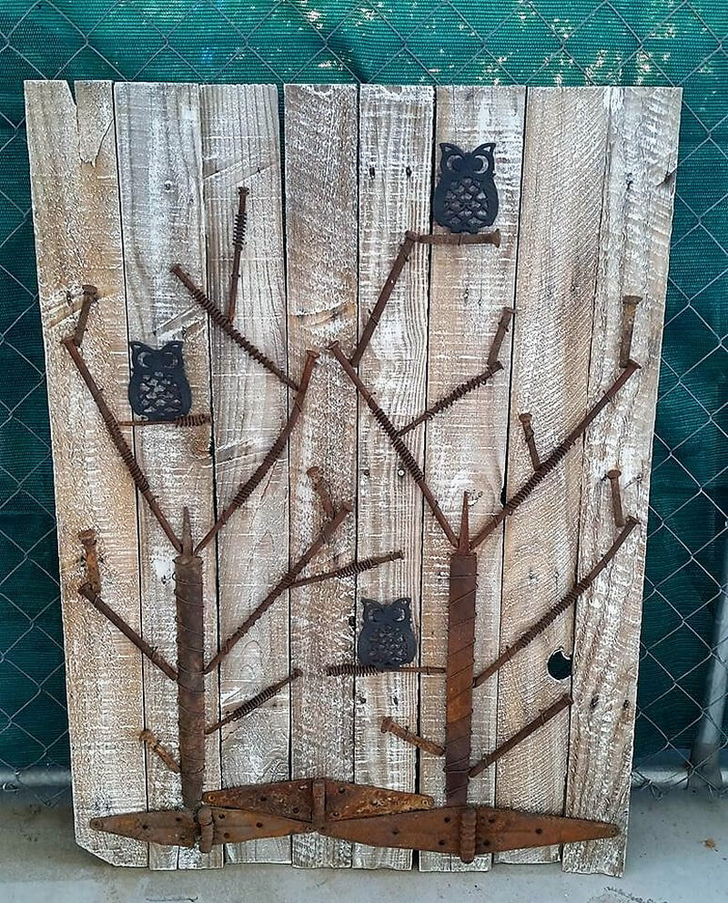 reclaimed pallets art work
