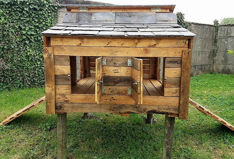 recycled pallets chicken coop