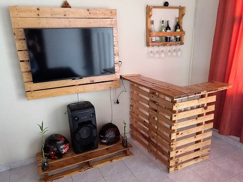 recycled wood pallet creations