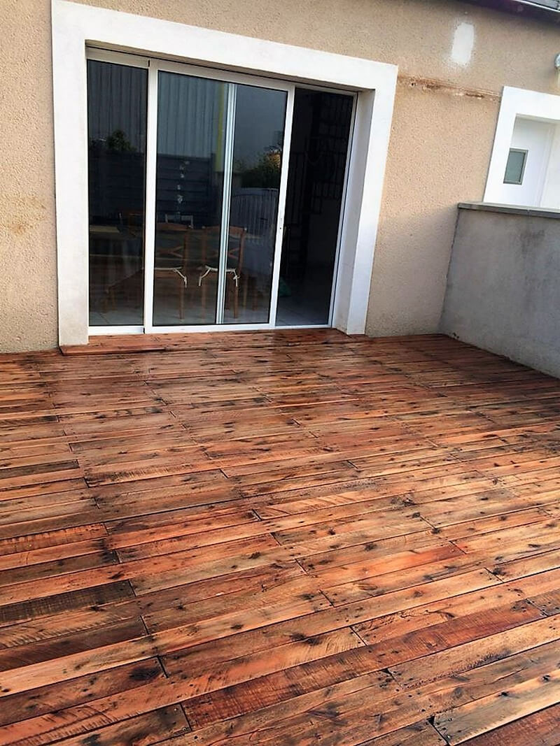 reused wood pallet creative floor