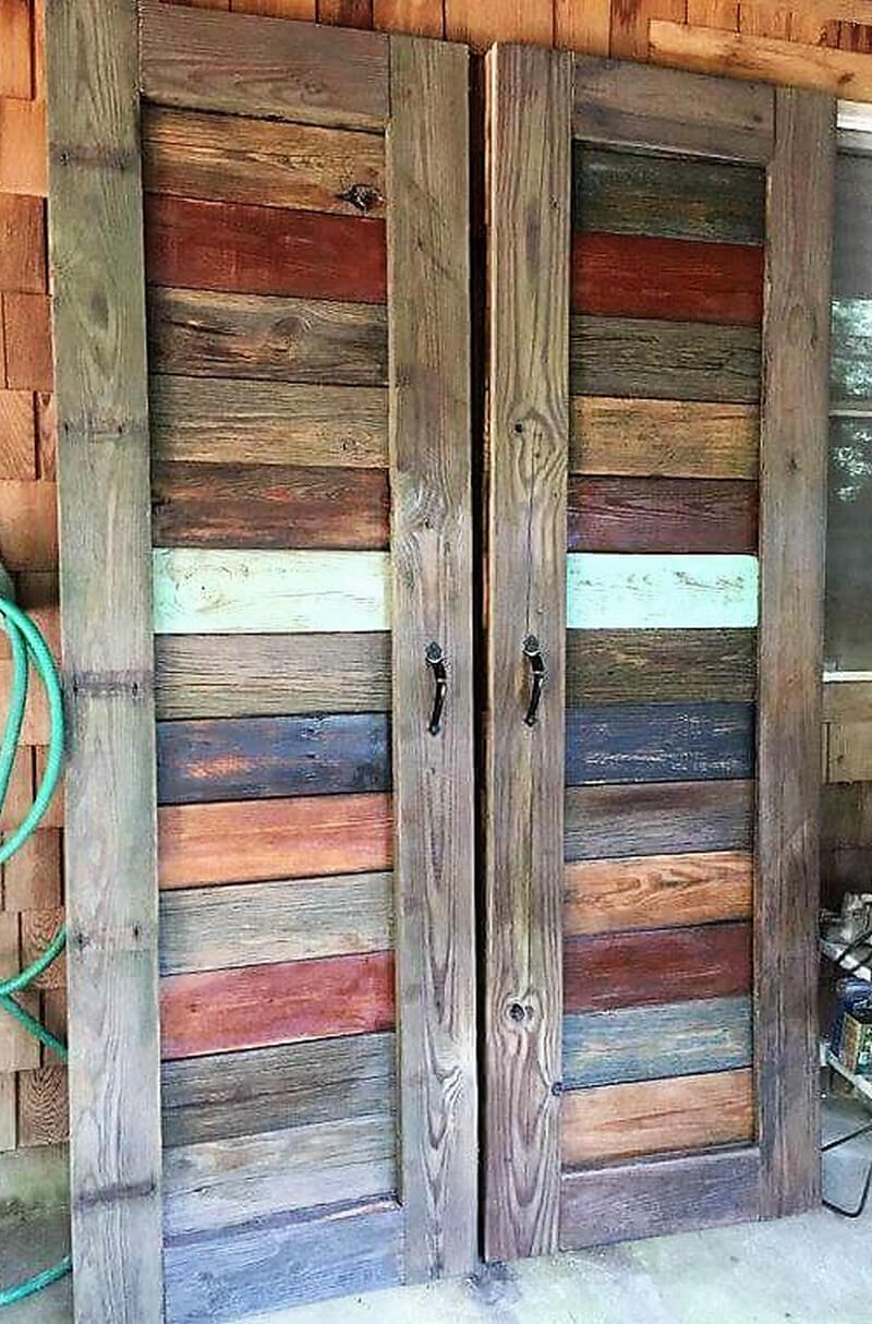 Awesome creations with used wooden pallets wood pallet for Wooden door ideas