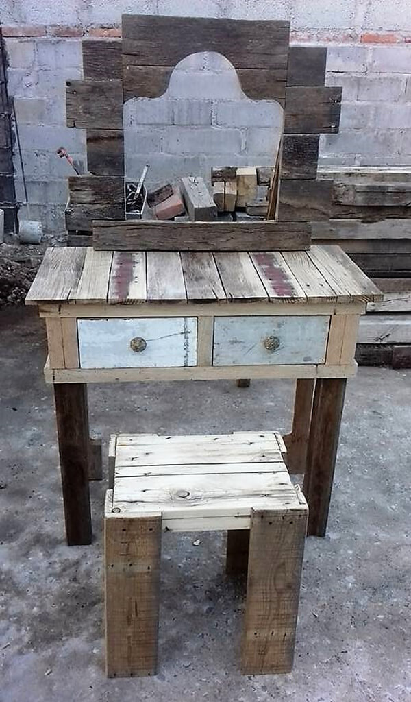 Wood Pallets Vintage Vanity Project Wood Pallet Furniture