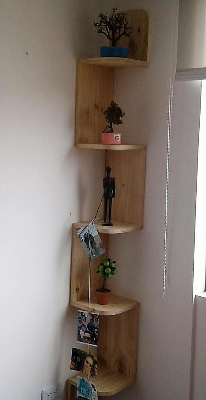 wood pallet corner shelf idea