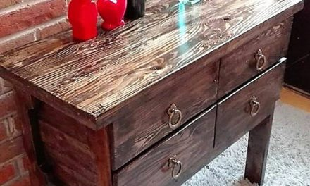 Repurposed Wooden Pallets Entryway Table