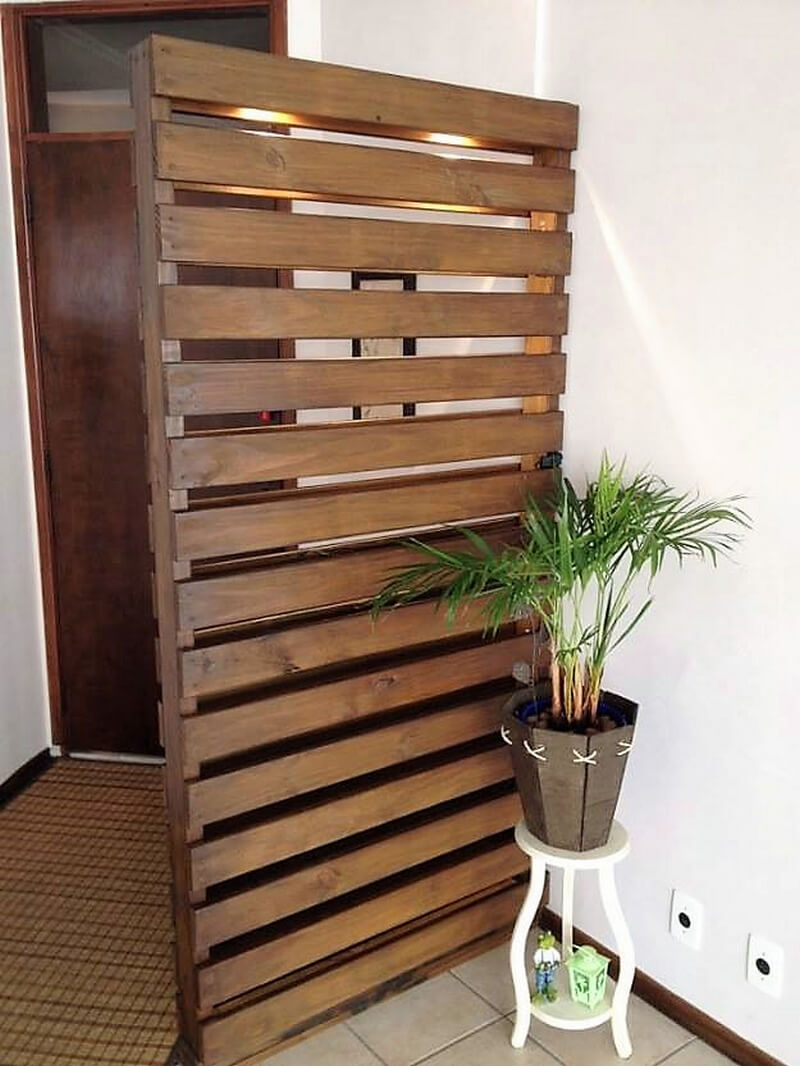 wood pallet room deivider and decor