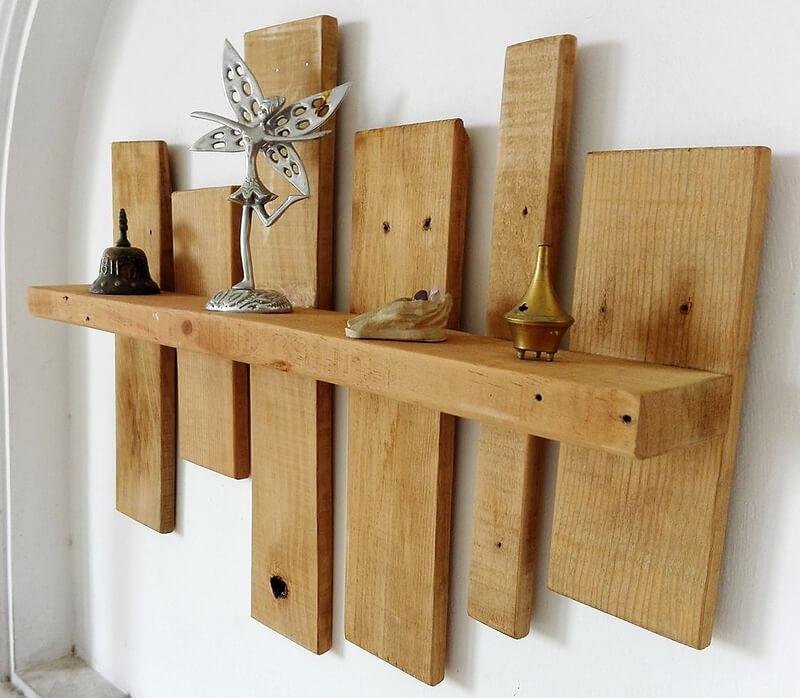 wooden pallet shelving art