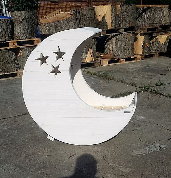 Baby Cradle Moon Made with Pallets