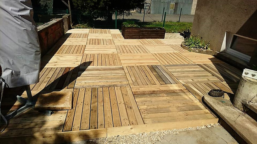 diy garden terrace with pallets