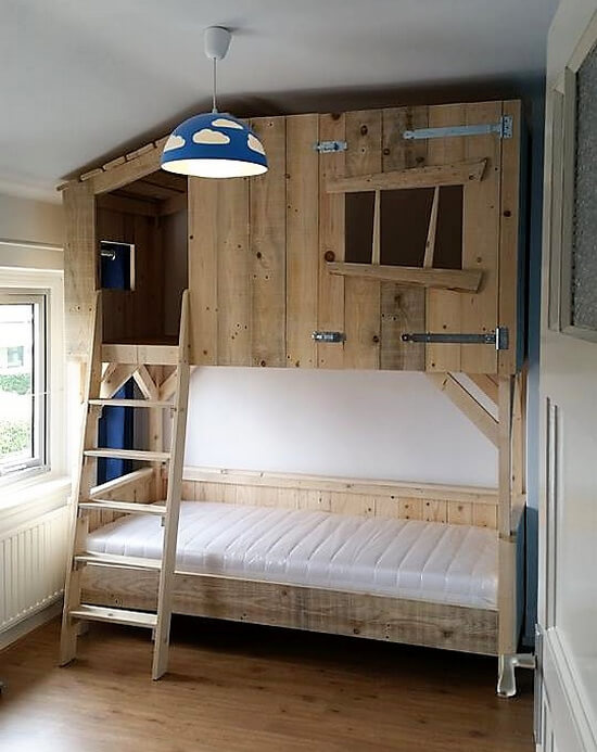 diy recycled wooden pallets tree house bunk bed