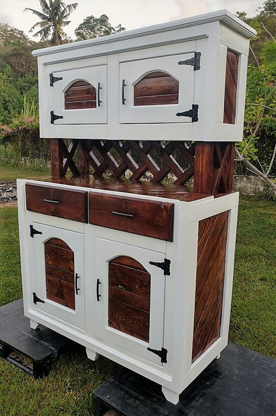 pallets made hutch