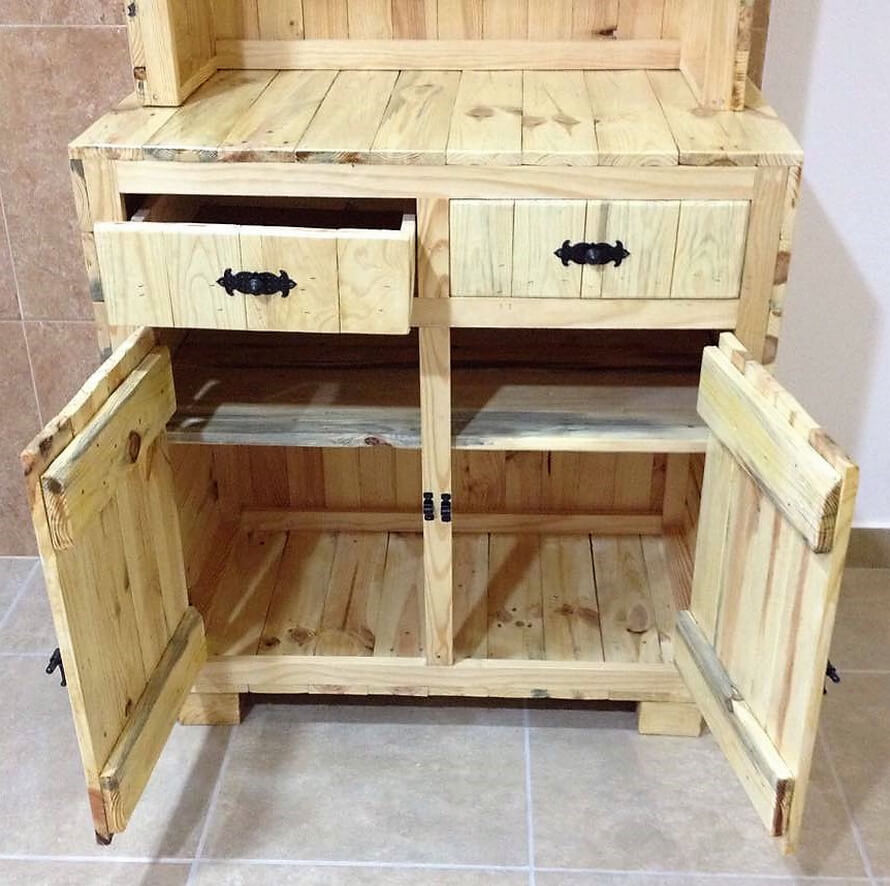 pallets made sideboard