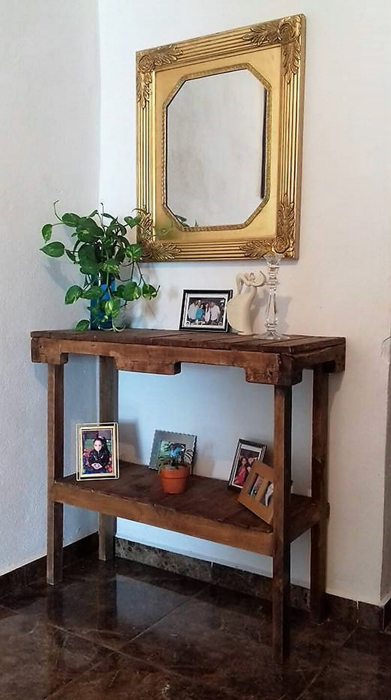 pallets wooden entryway table