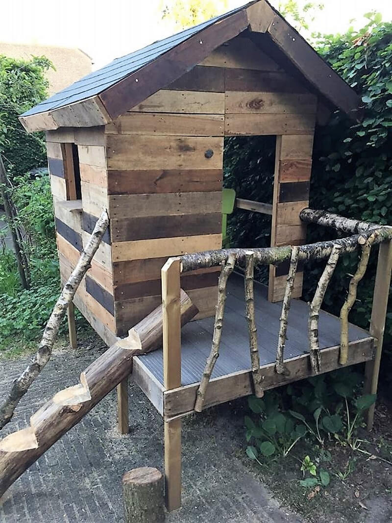 reclaimed pallets kids play hut