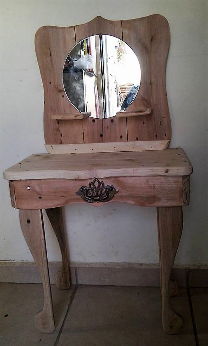 reclaimed wood pallet vanity