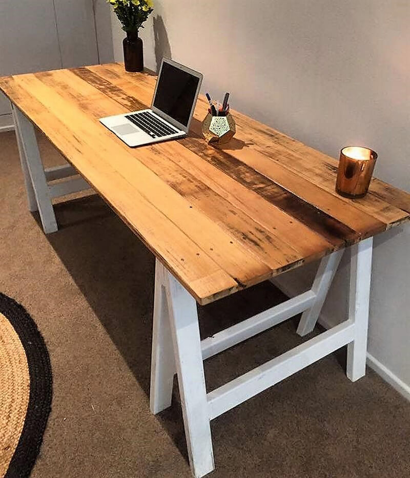 recycled pallets desk idea