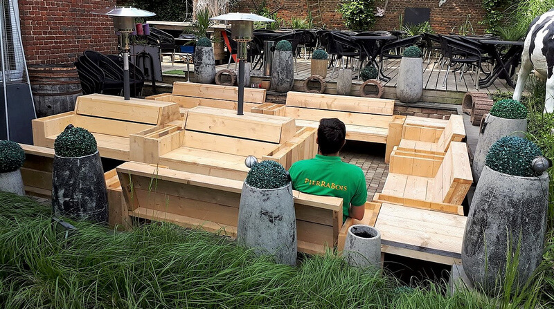 recycled wood pallet patio furniture idea
