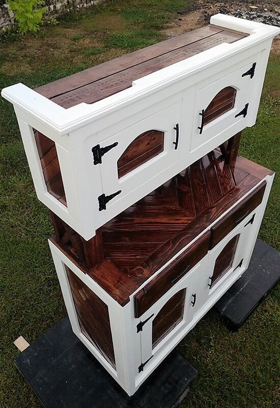 recycled wood pallets hutch plan