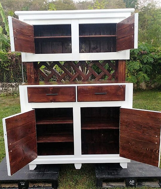 repurposed pallets hutch