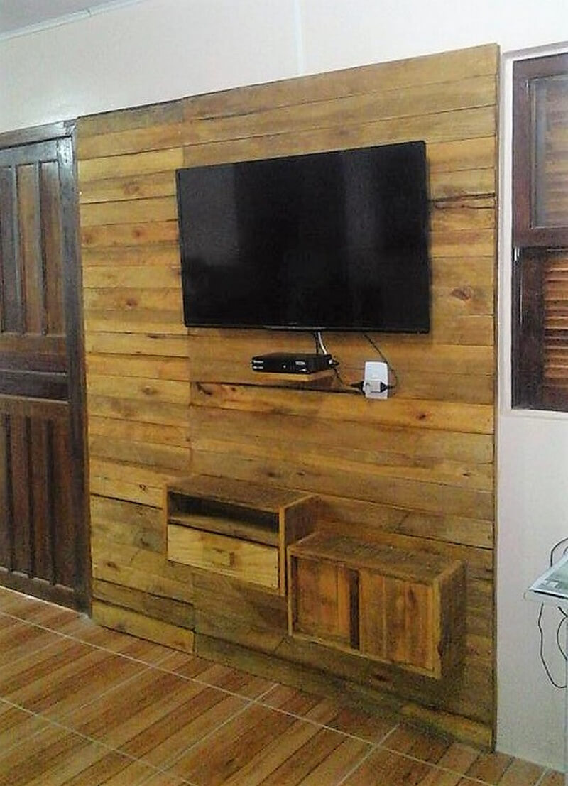 wood pallet tv wall art idea