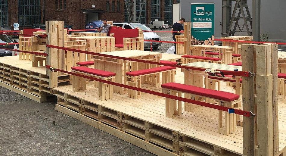 wooden pallet furniture idea
