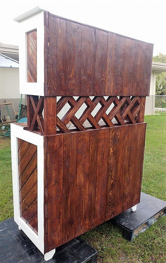 wooden pallets hutch