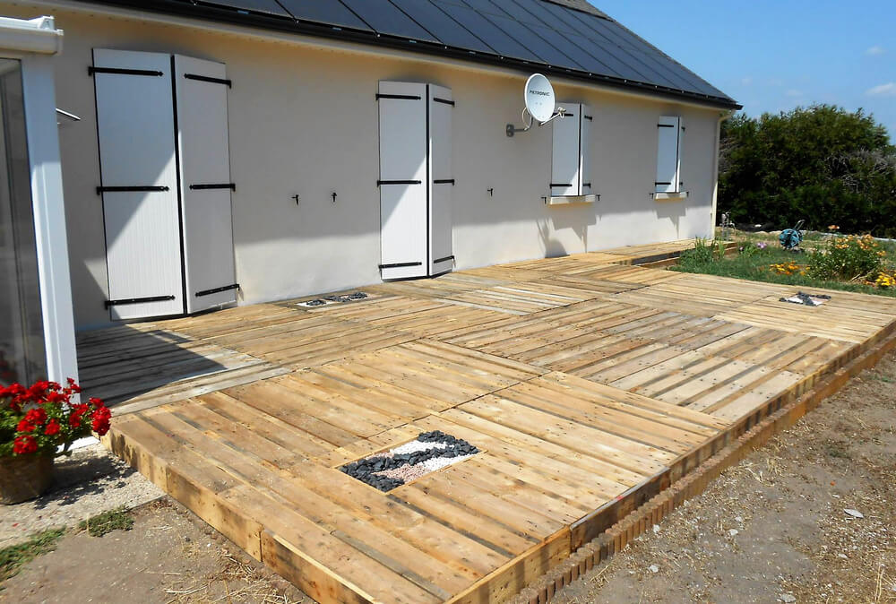 diy recycled pallet terrace