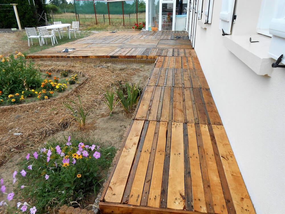 diy repurposed pallet terrace