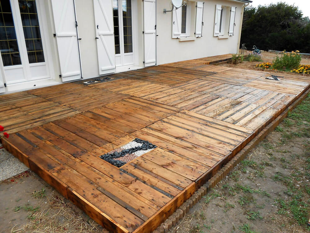 diy upcycled wood pallet terrace