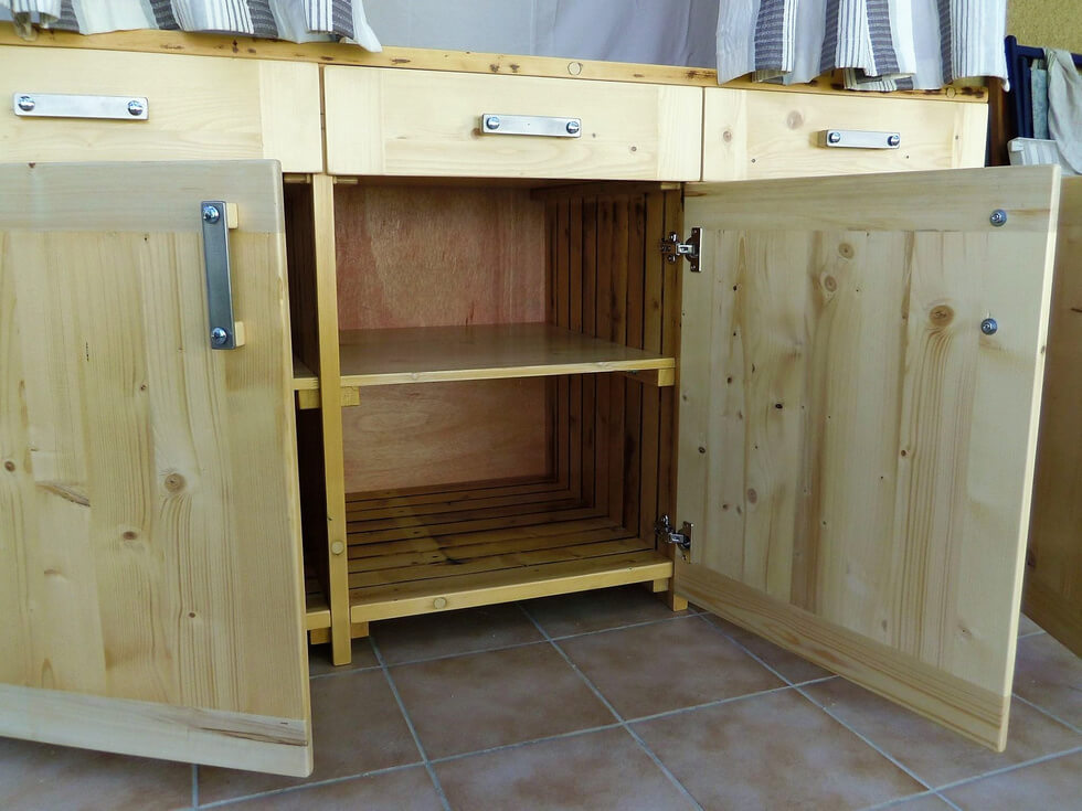 pallets dressing cabinets