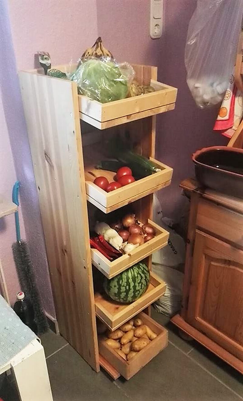 pallets fruit and vegitables storage rack