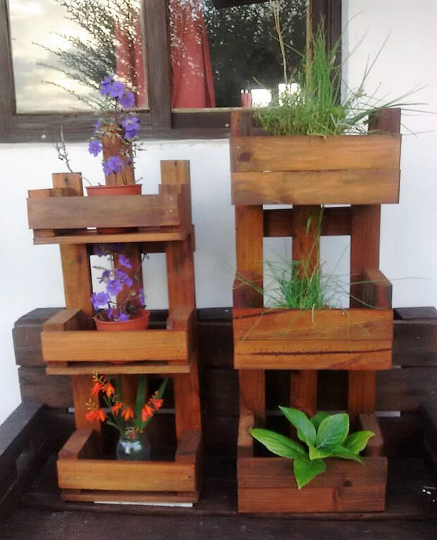 pallets pots stands