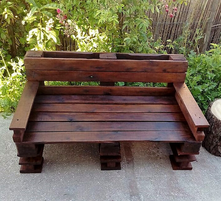pallets wooden bench