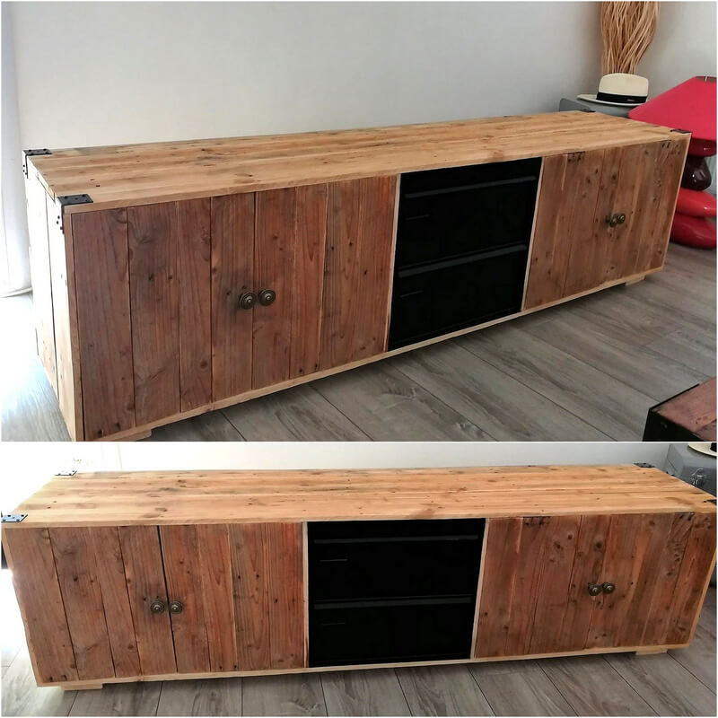 reclaimed pallets media cabinet