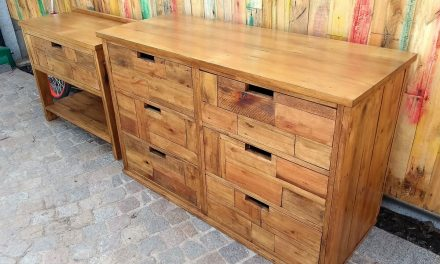 Wooden Pallets Made Dresser with Side Table