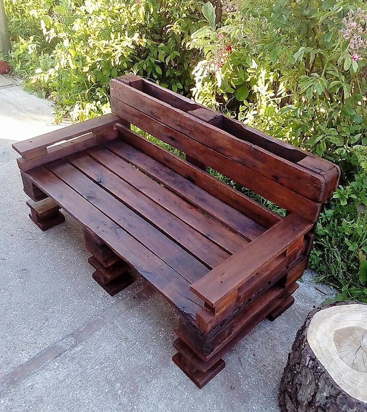 recycled pallets bench for garden