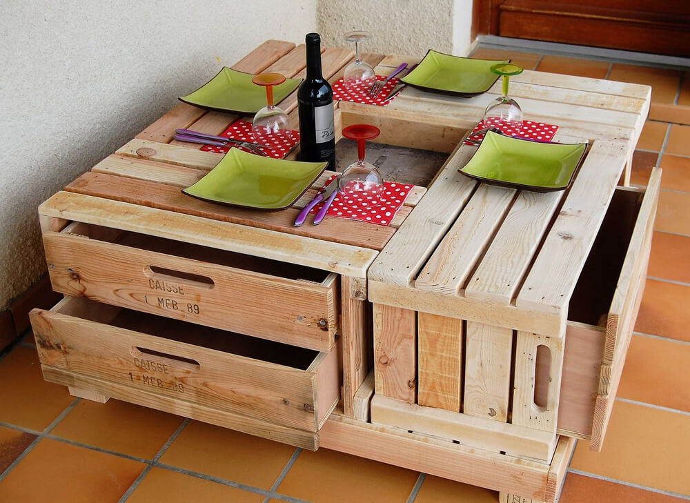 recycled pallets wood table