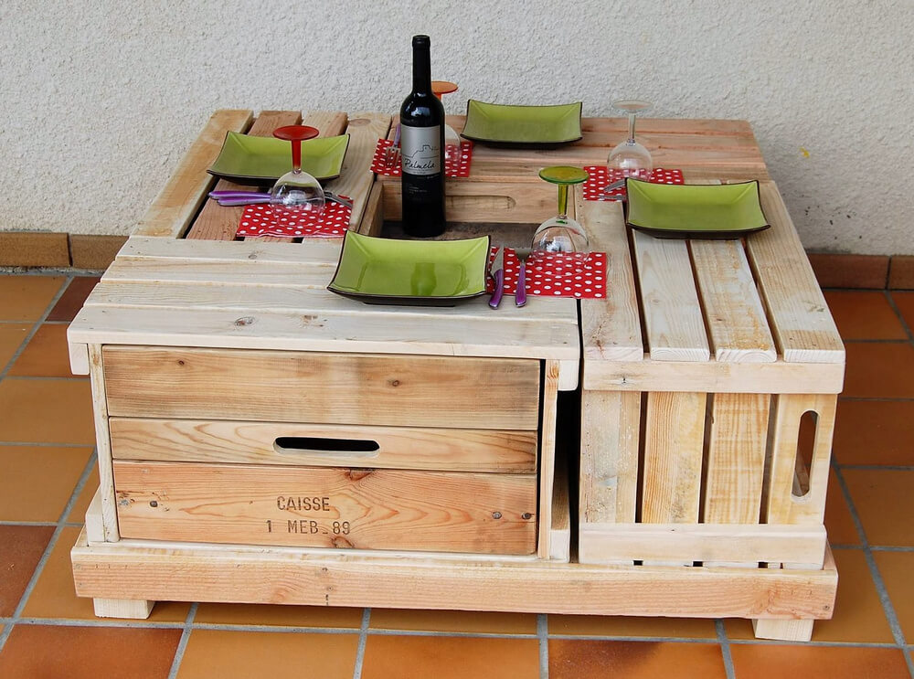 recycled wood pallet lounge table