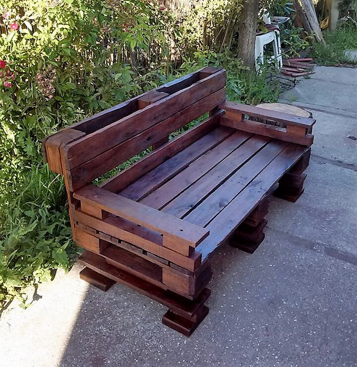 Astonishing Garden Bench Made With Reused Wood Pallets Wood Pallet Lamtechconsult Wood Chair Design Ideas Lamtechconsultcom
