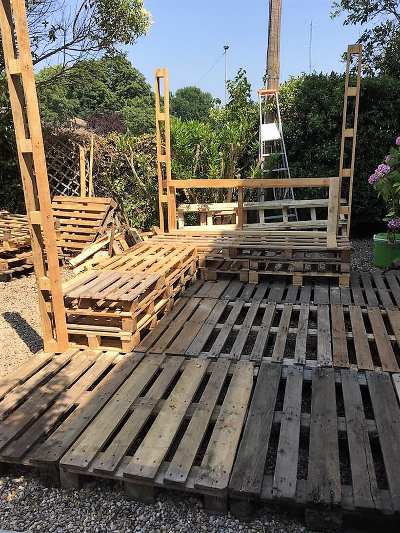 wooden pallet deck furniture