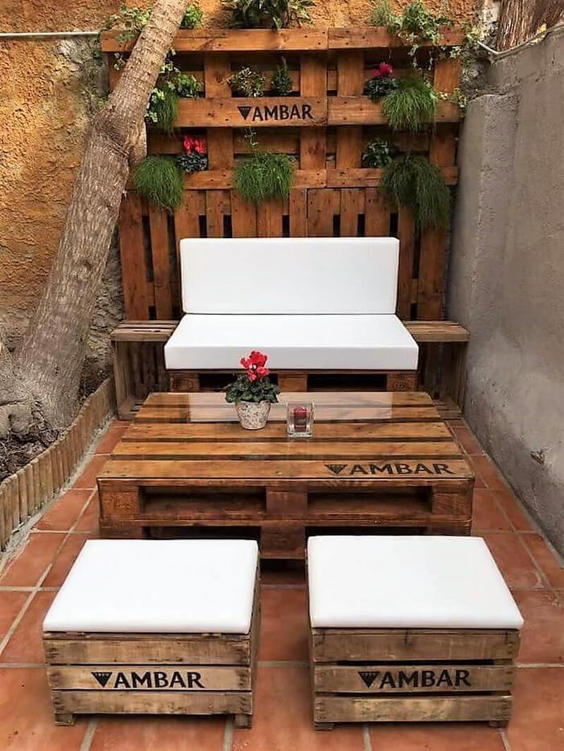 wooden pallet lounge