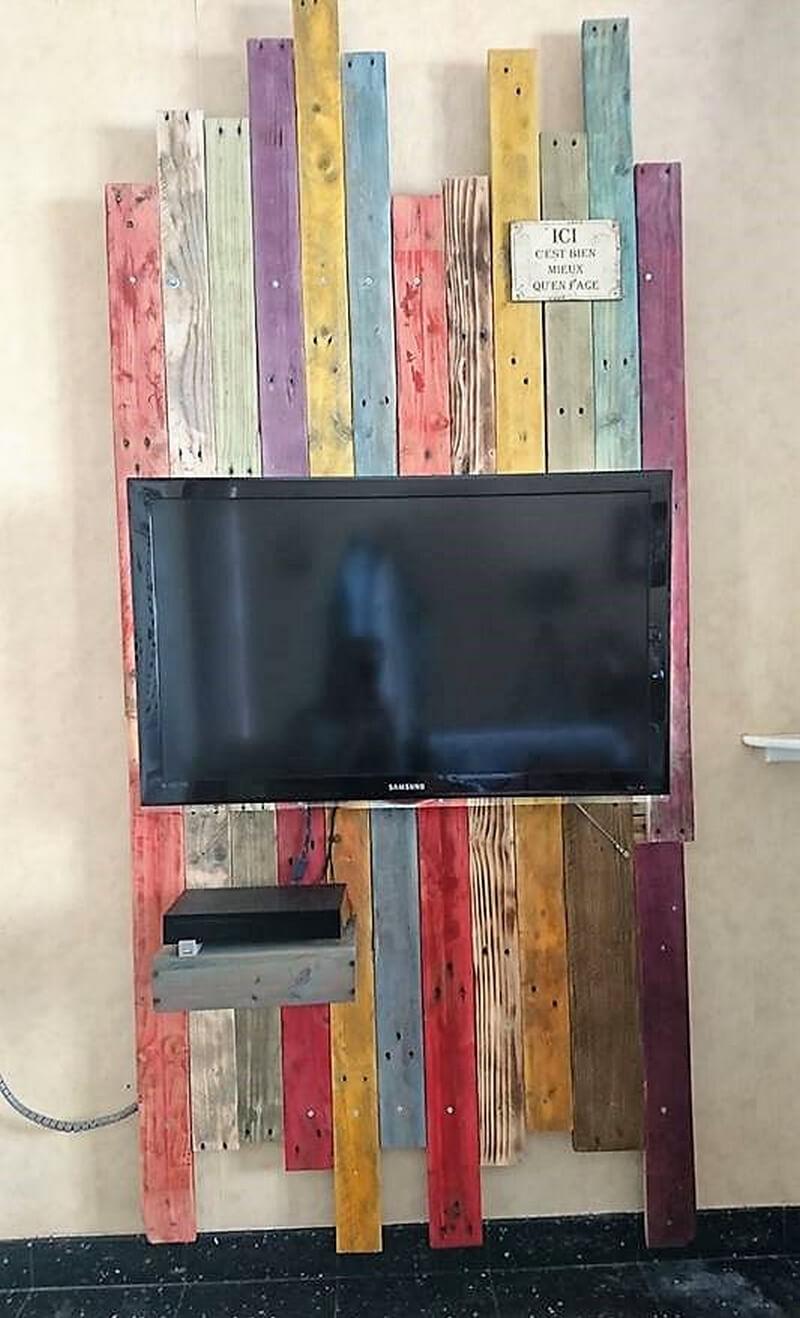 wooden pallets tv stand idea