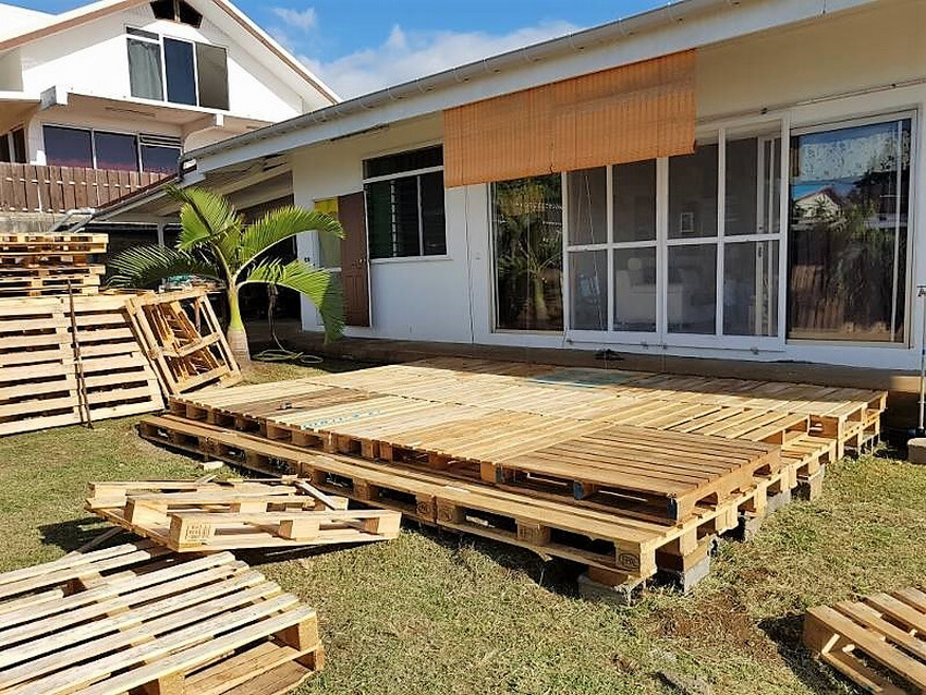 diy pallets garden deck