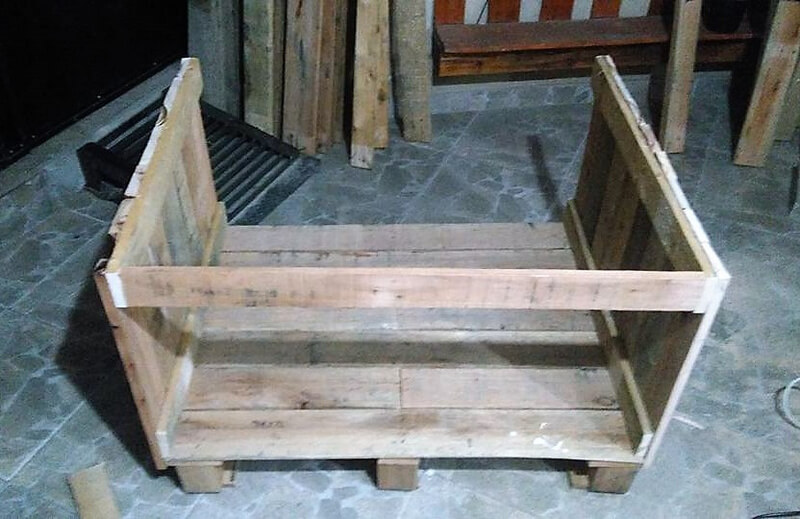 diy wood pallet dog house