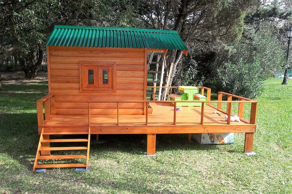 Repurposed Wood Pallets Made Kids Patio Playhouse Wood